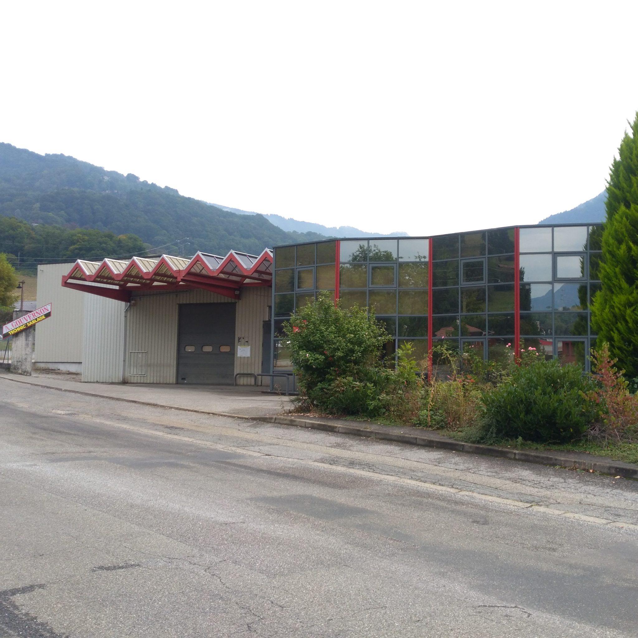 Arilus montres, partenaire Mont-Blanc Polissage, finition carrure